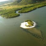 São dezessete lagoas, quatro grandes, principais, e as outras menores.