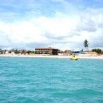 Praias são APPs (áreas de preservação permanente) as construções só deveriam ocorrer 300 metros para dentro. Deveriam...
