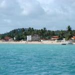 O que chama mais a atenção? a beleza cênica da praia, ou as construções irregulares da praia de Maragogi?