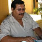 José Carlos do Santos, chefe da APA também merece o Prêmio Cara de Pau- o oscar da baixaria. Quando perguntei sobre o plano de manejo da APA  que é de 1983, portanto com mais de 21 anos de idade, ele disse que faltou verba. Ah, bom, entendi...