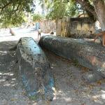 Canoas baianas abandonadas em Coqueiro, norte da Bahia, divisa com Sergipe.