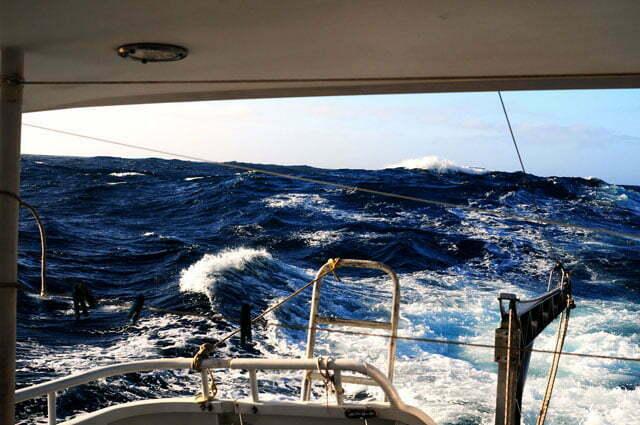 As ondas chegaram aos 4 metros