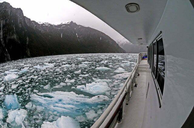 O Mar Sem fim cercado pelo gelo