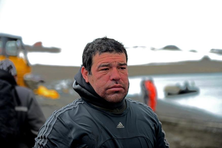 Navio de passageiros , imagem de mergulhador na antártica