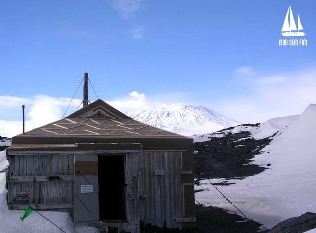 Sítio histórico na Antártica, imagem do refúgio de Shackleton na Antártica