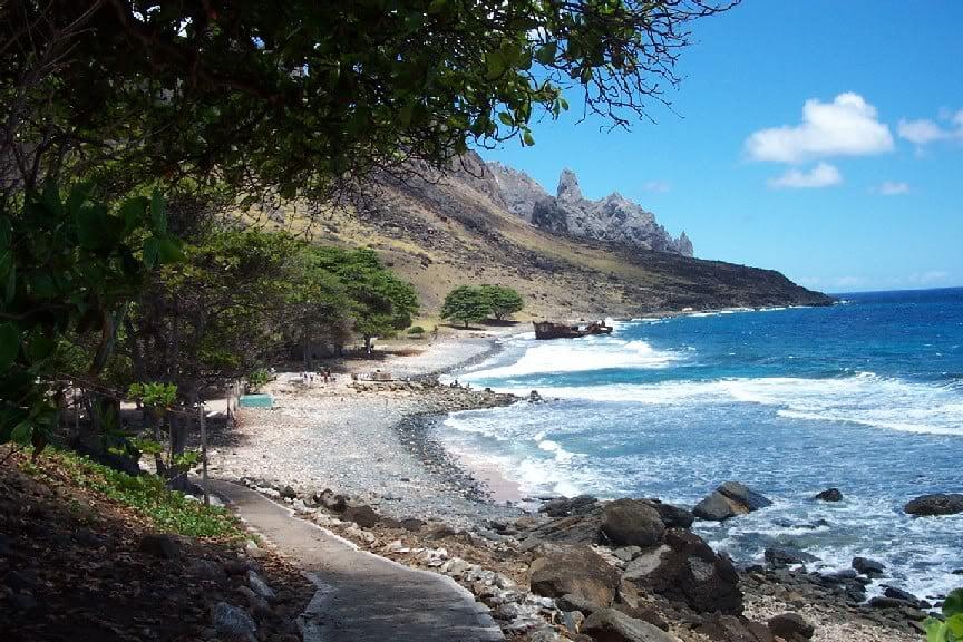 Ilha de Trindade e o Projeto Tamar, imagem da ilha de Trindade