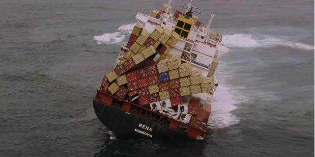 Contêineres no mar, imagem containers caem ao mar