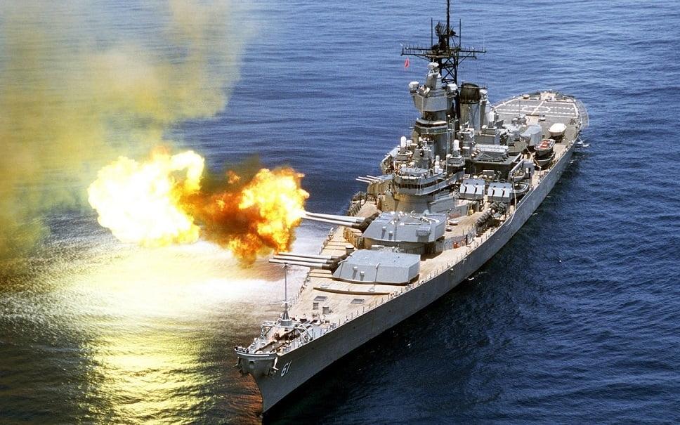 imagem do navio de guerra da classe USS Iowa