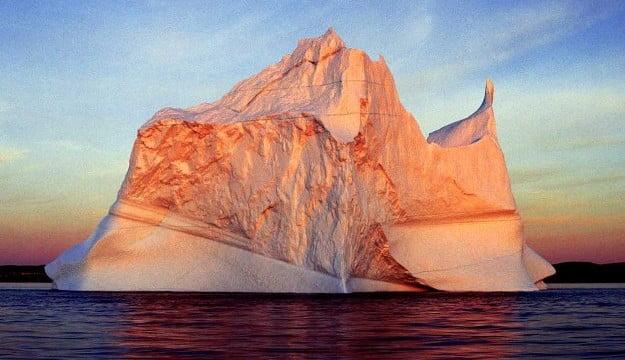 Conheças as diversas cores de um iceberg