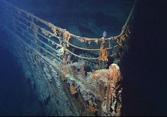 Fotos inéditas do Titanic, imagem da proa do Titanic naufragado