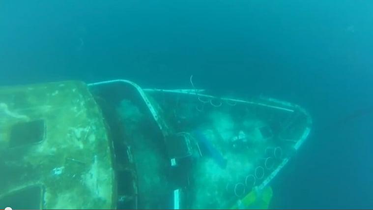 Naufrágio do Mar Sem Fim dramático demais, imagem do mar sem fim debaixo d'água