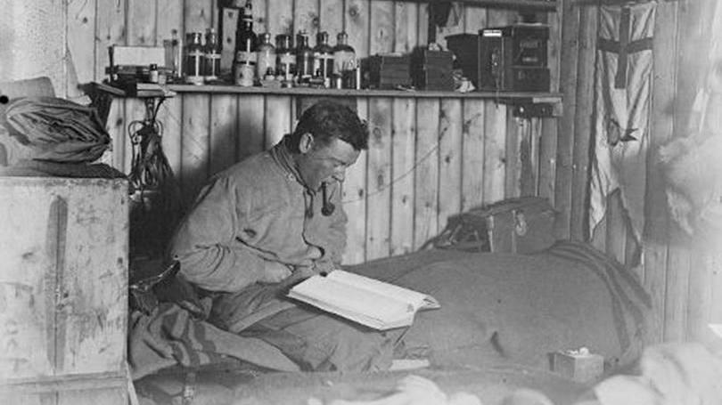 imagem diário do século passado é encontrado na Antártica