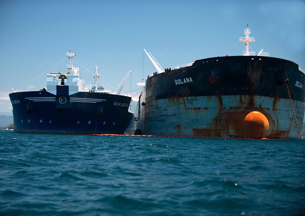 ESEC de Tamoios e seus muitos problemas, imagem de dois navios