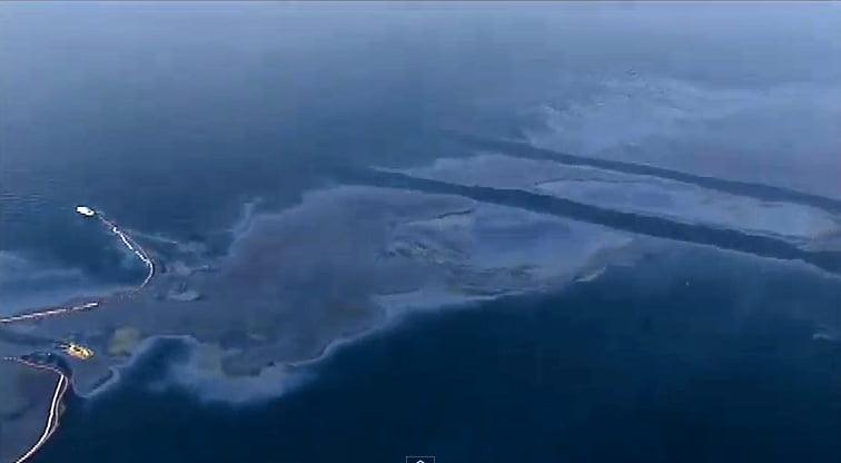 Vazamento de óleo da Transpetro, imagem de V]vazamento de óleo da Transpetro em Angra dos Reis.