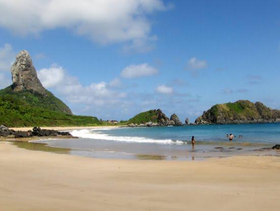 Fernando de Noronha: esgoto vaza e interdita praia, imagem de Fernando de Noronha