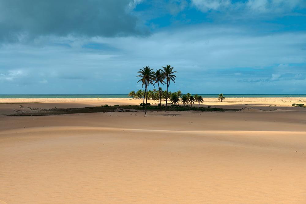 APA de Paiçabuçu, imagem de praia e duna do peba