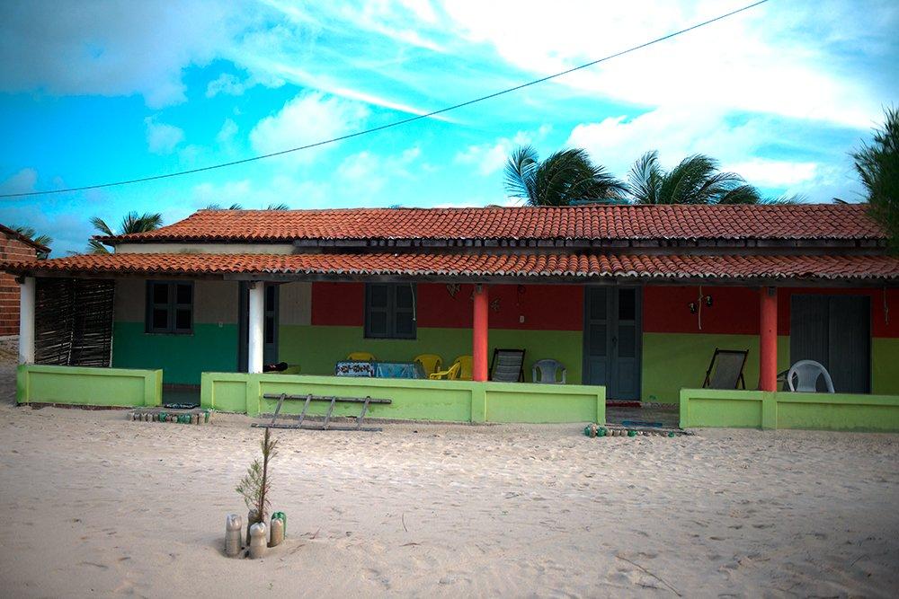 resex prainha do canto verde, imagem de casa de nativo