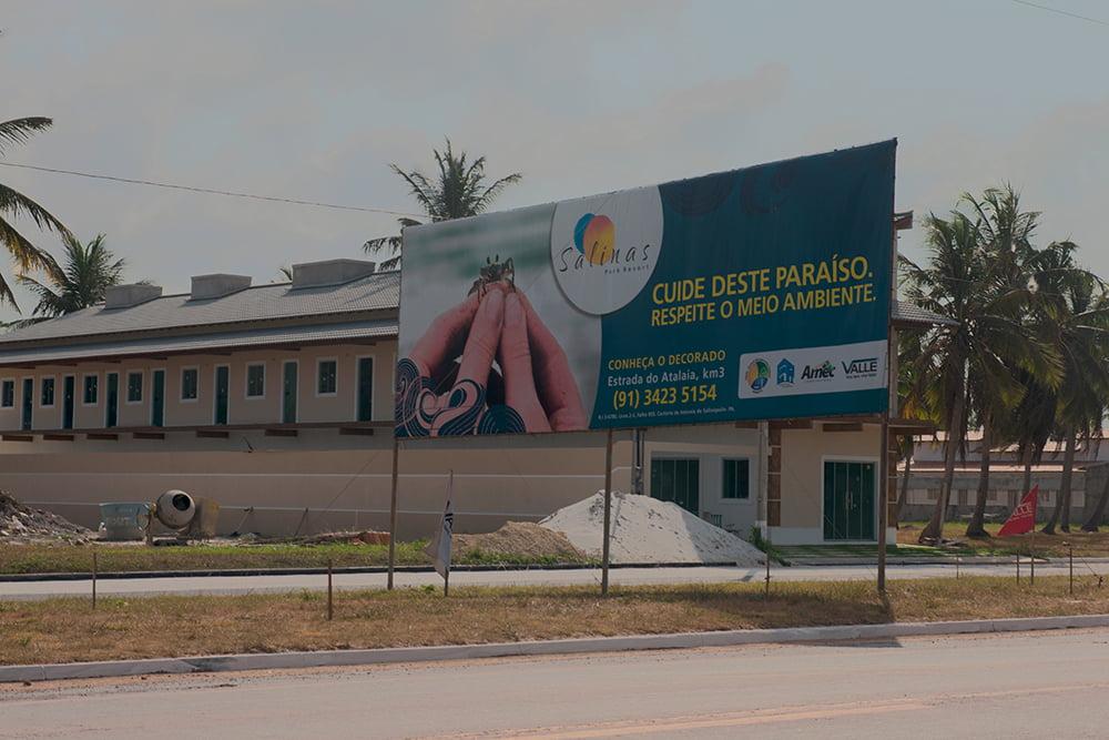 Resex Maracanã e Resex Chocoaré Mato Grosso, imagem de cartazes de casas à venda