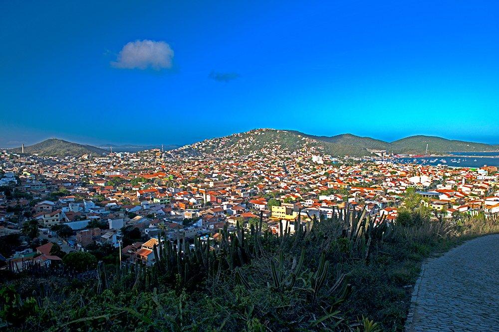 especulação imobiliária, imagem da cidade de arraial do cabo, rj