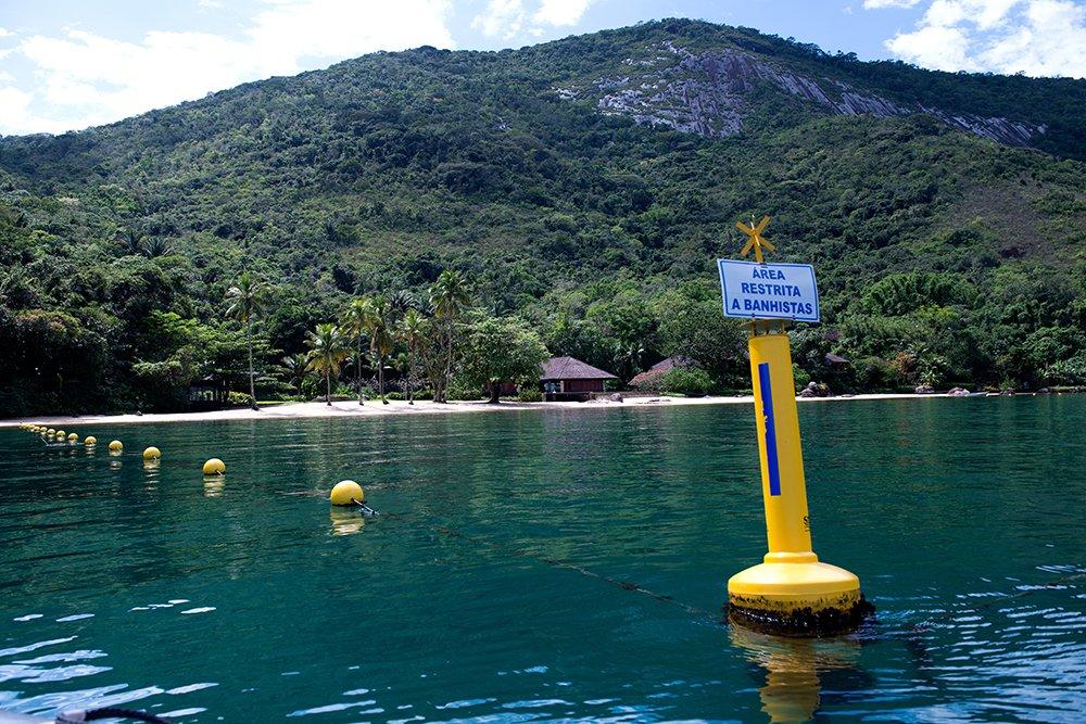 especulação imobiliária, imagem de praia-privatizada,-apa-cairuçu,-RJ