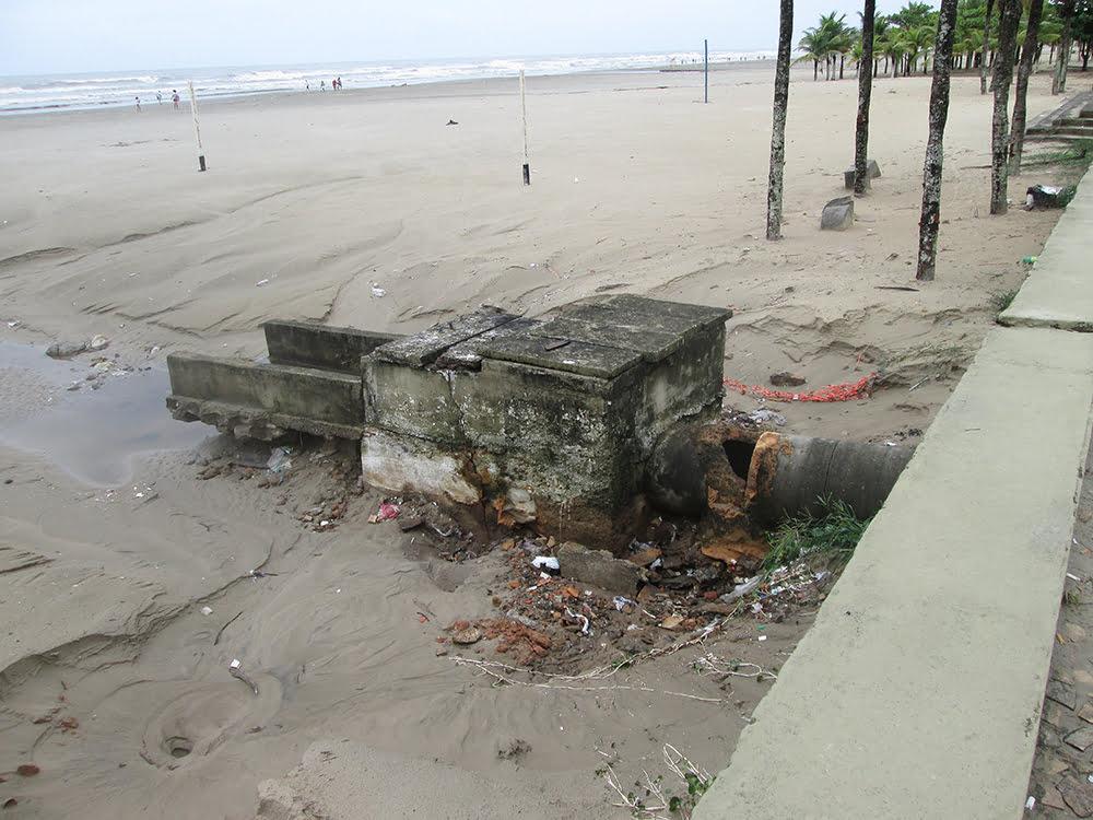 Praia Grande e esgoto, imagem de esgotos na Praia Grande, SP