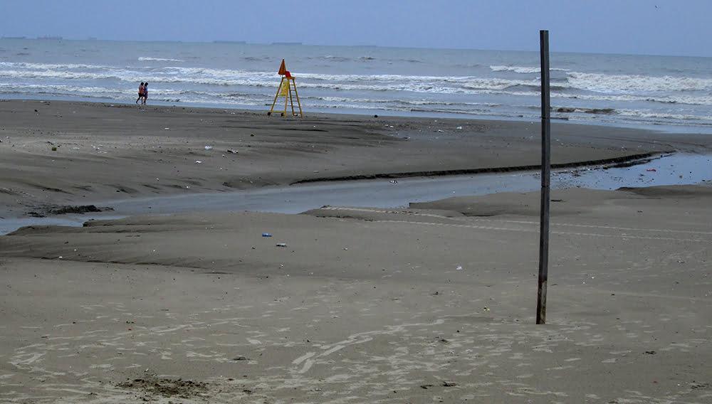 Praia Grande e esgoto, imagem de lixo na Praia Grande