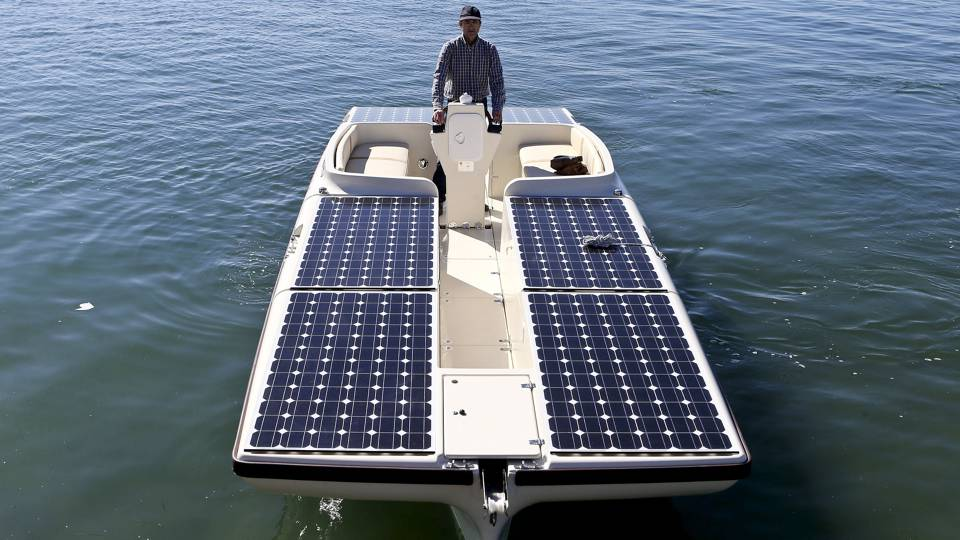 barco movido a energia solar