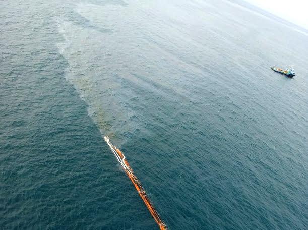 Novo derrame da Petrobras, imagem de vazamento de petróleo em Tramandai