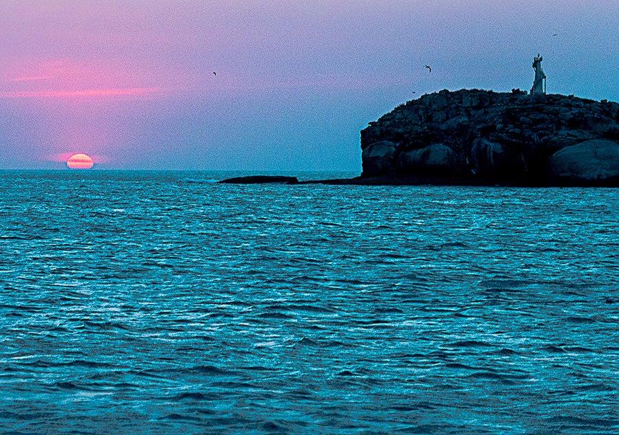 Alcatrazes sai do limbo, imagem da ilha-do-Farol-alcatrazes