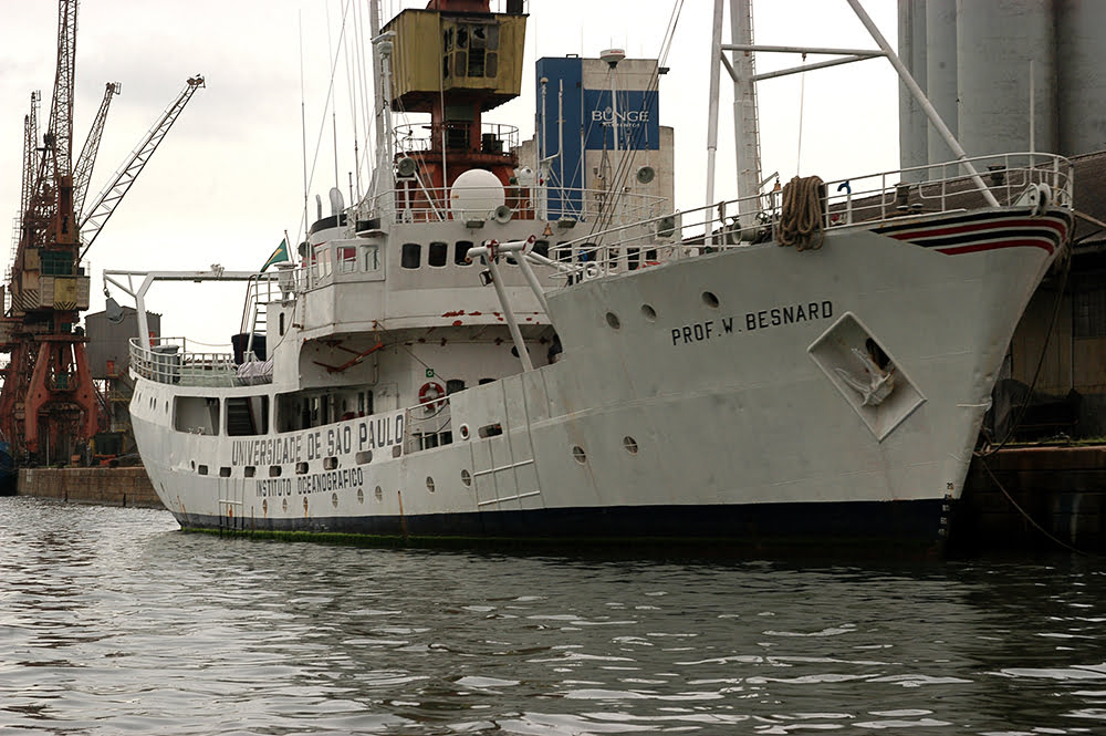 Navio Prof W Besnard, afundando nossa história, imagem do navio Prof W Besnard