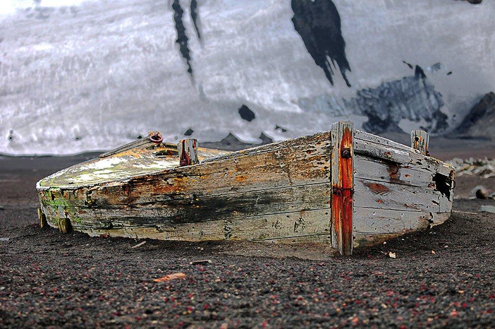 Exposição de fotos Mar de Histórias, imagem de Baleeiro, Ilha Deception, Antártica