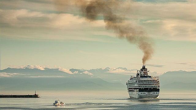 Poluição: navios, carros e aviões