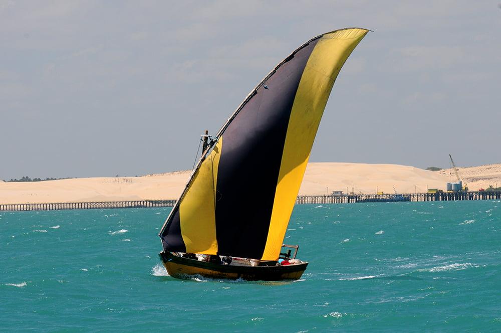 Vela latina, imagem de um bote - bastardo do ceará