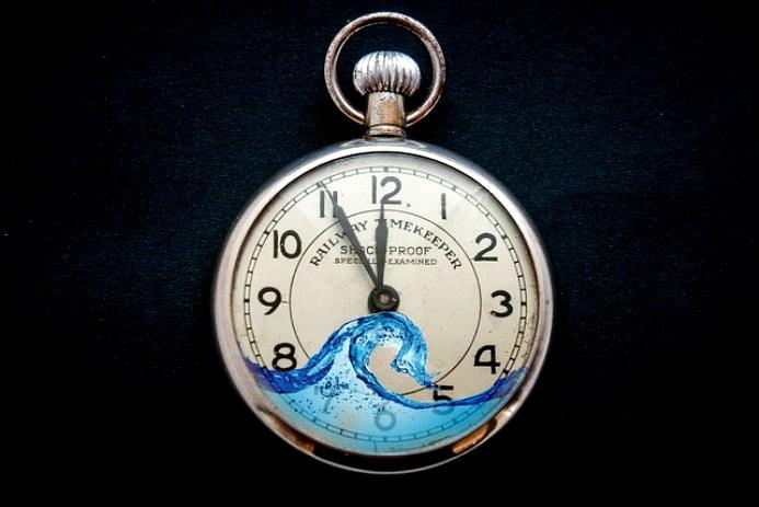 Aquecimento global 2016, ilustração de relógio de bolso cheio de água