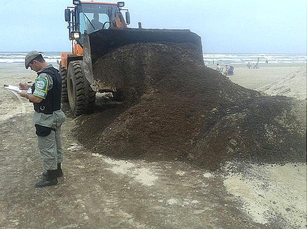 Passarela de asfalto em praias
