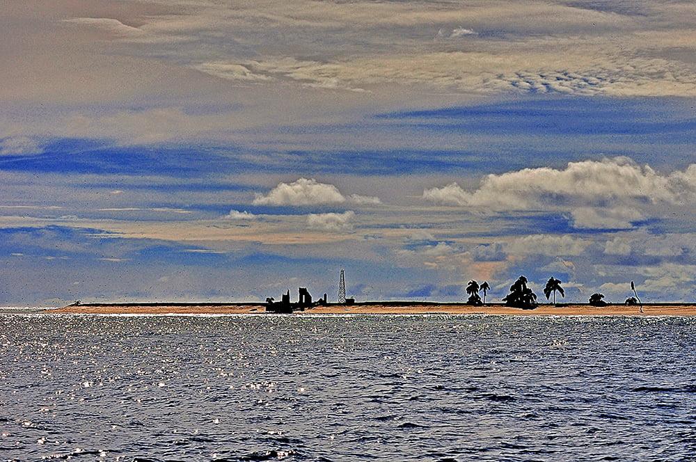 Atol das Rocas, imagem do antigo farol no atol das rocas