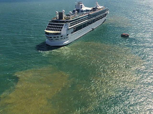 MSC responde, imagem de Navio da MSC em Búzios, RJ, e a mancha de poluição ao largo
