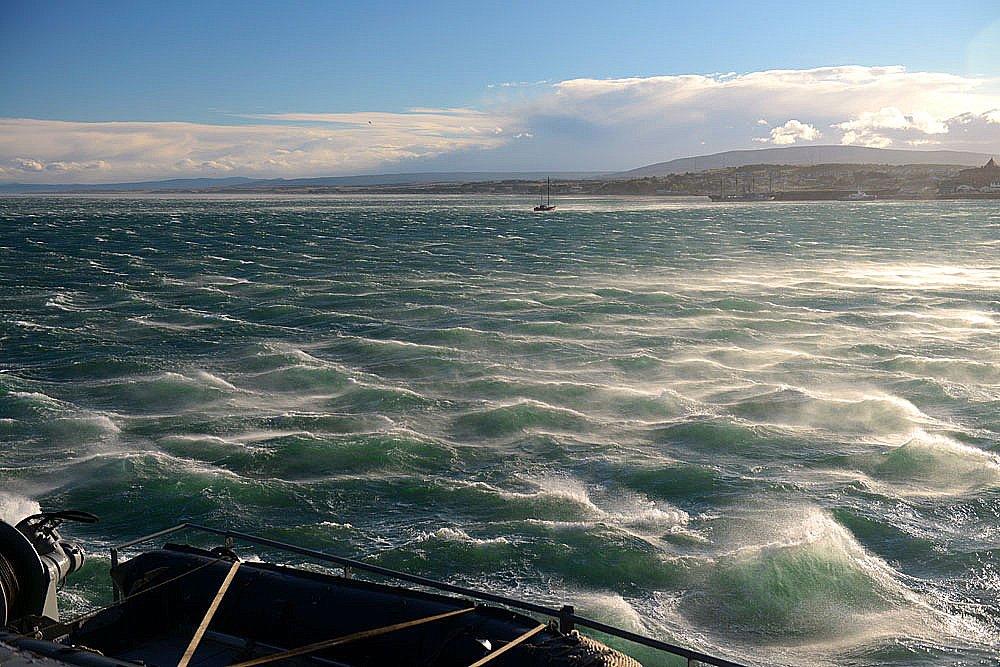 Enfrentamos vendaval durante o resgate do Mar Sem Fim, imagem de vendaval durante o resgate do Mar Sem Fim
