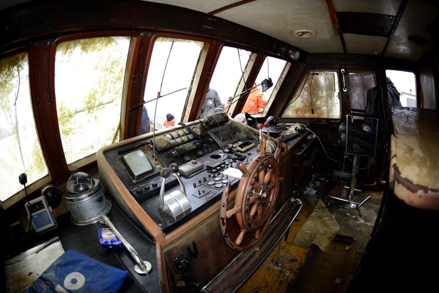 Sala de comando após o resgate do mar sem fim