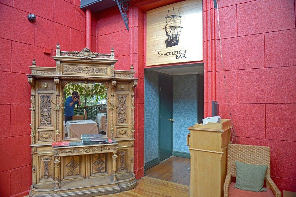 Shackleton Bar, uma descoberta em Punta Arenas, imagem do Shackleton Bar,