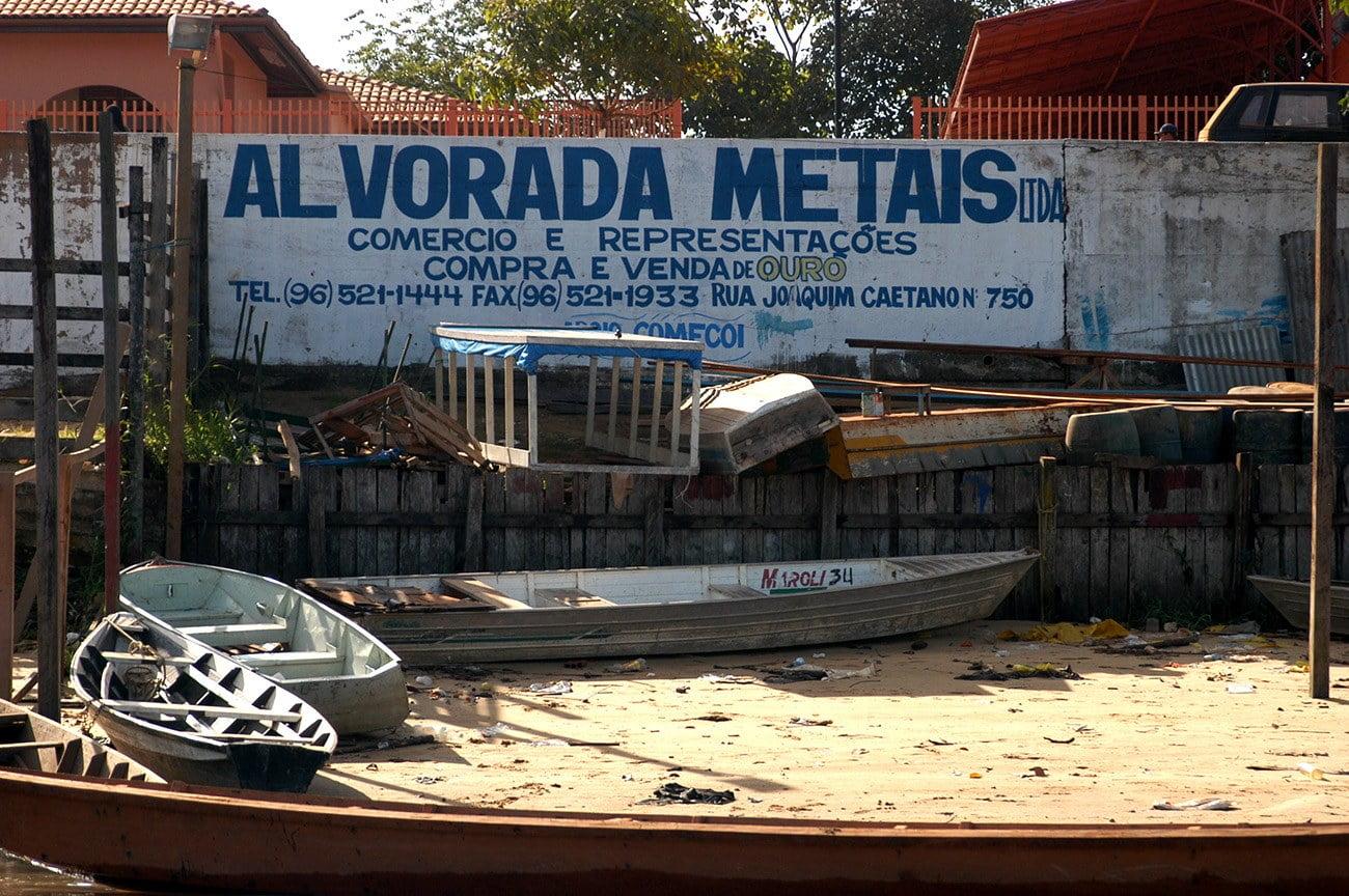 imagem de barcos no Oiapoque