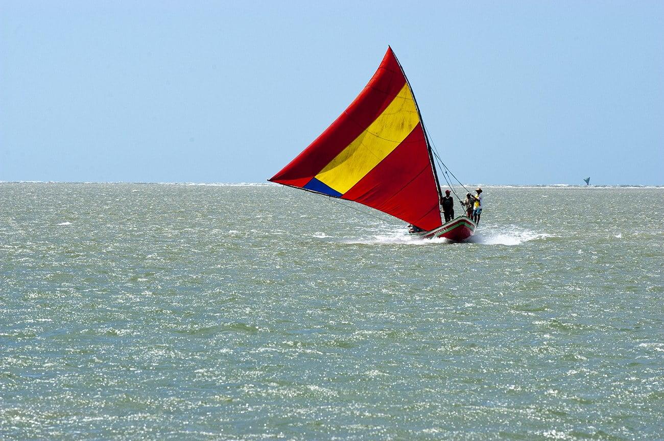 imagem de canoa de ricos em Camocim