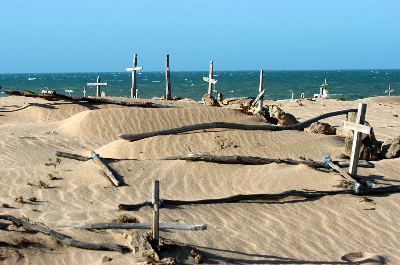 imagem de cemitério na praia