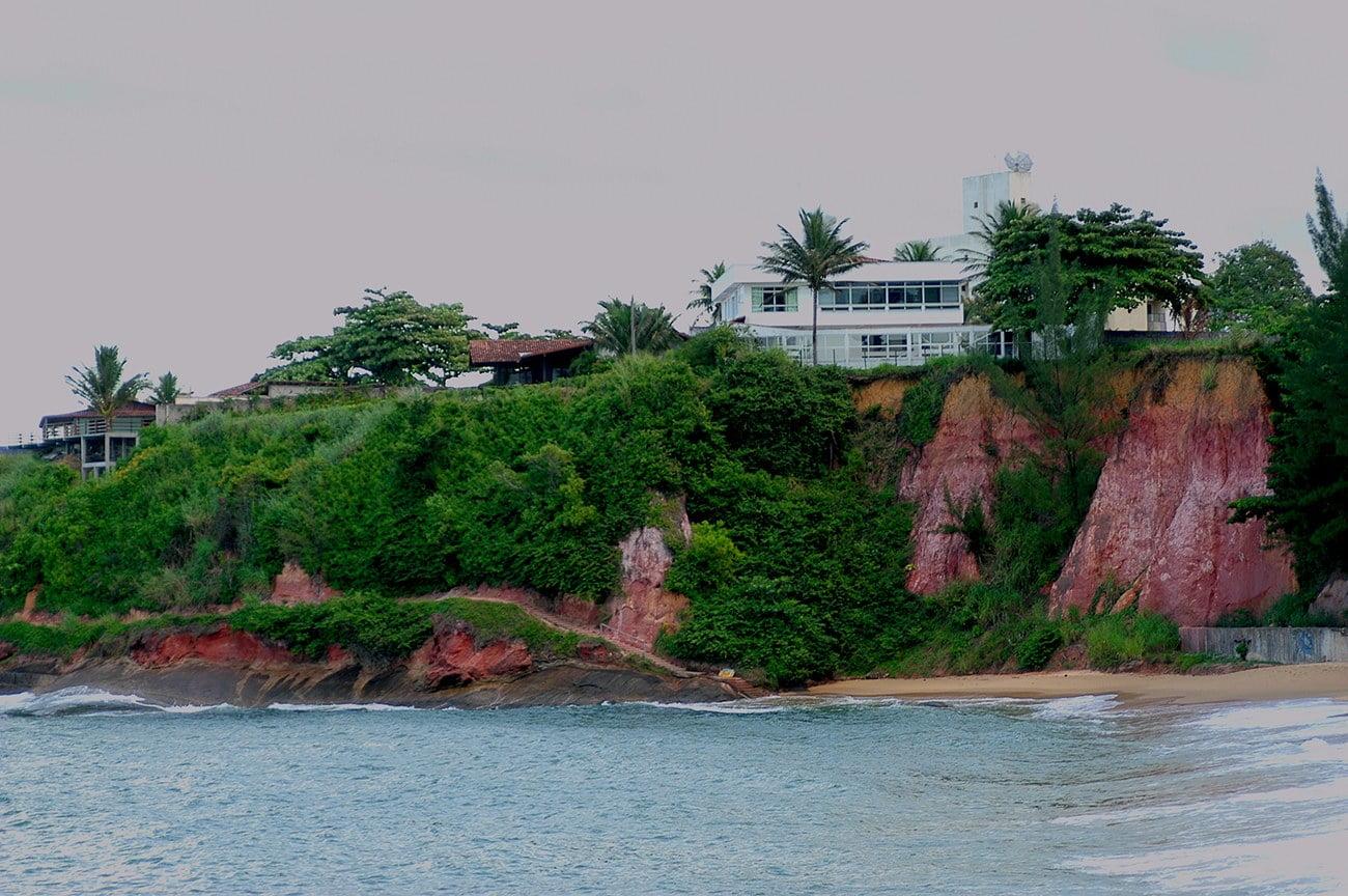 falésias ocupadas no litoral do Espírito Santo