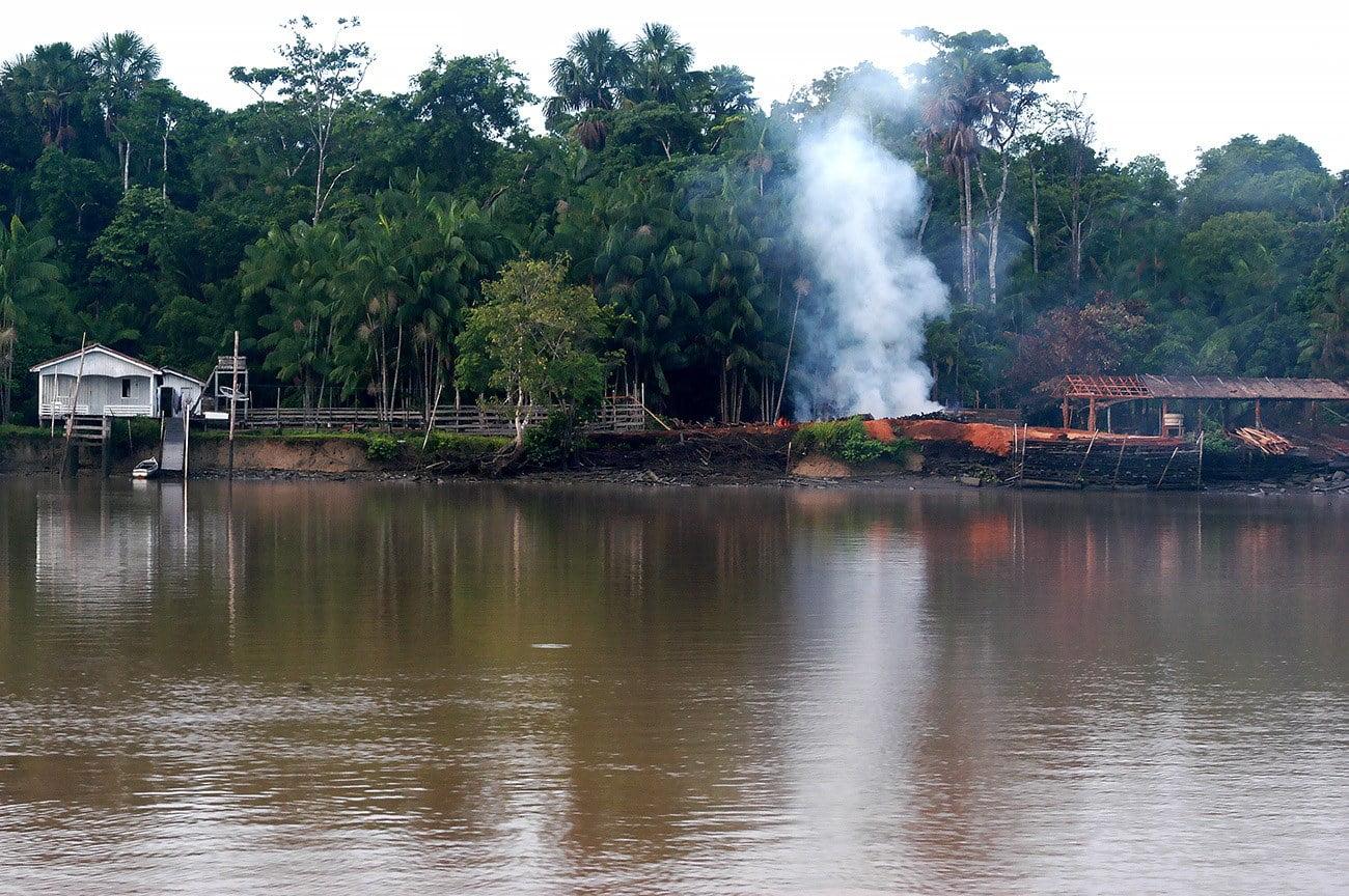 imagem de serraria na Amazônia