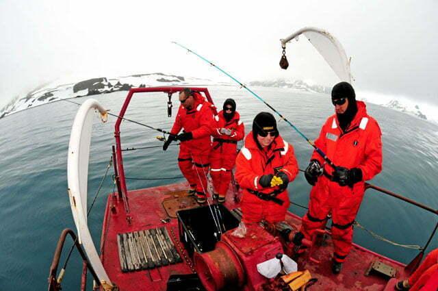 imagem de pesquisadores brasileiros na antártica