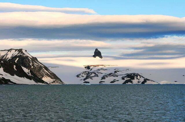 imagem de paisagem na Antártica