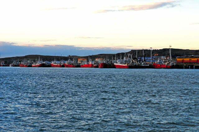 Os enormes barcos de pesca de Puerto Deseado