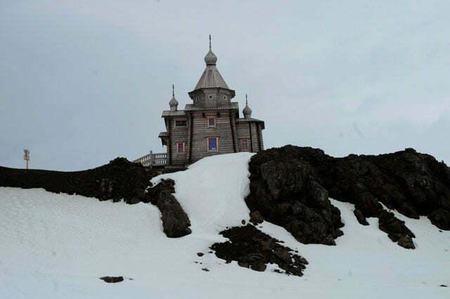 Igreja russa: o cedro para a construção foi trazido da Sibéria