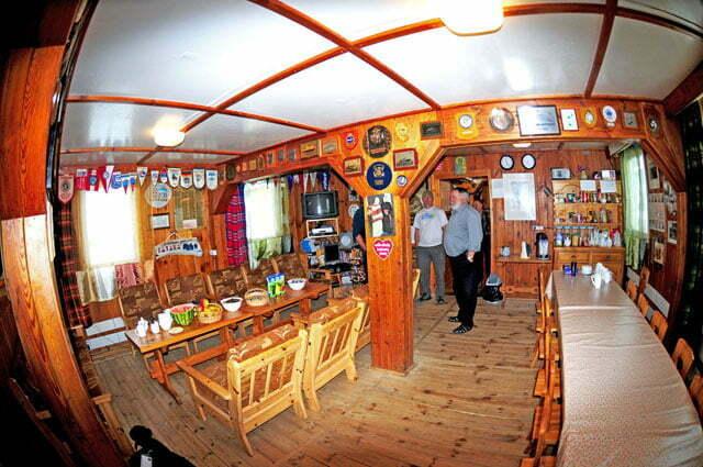 imagem do interior da base polenesa Arctowski, Anteartica